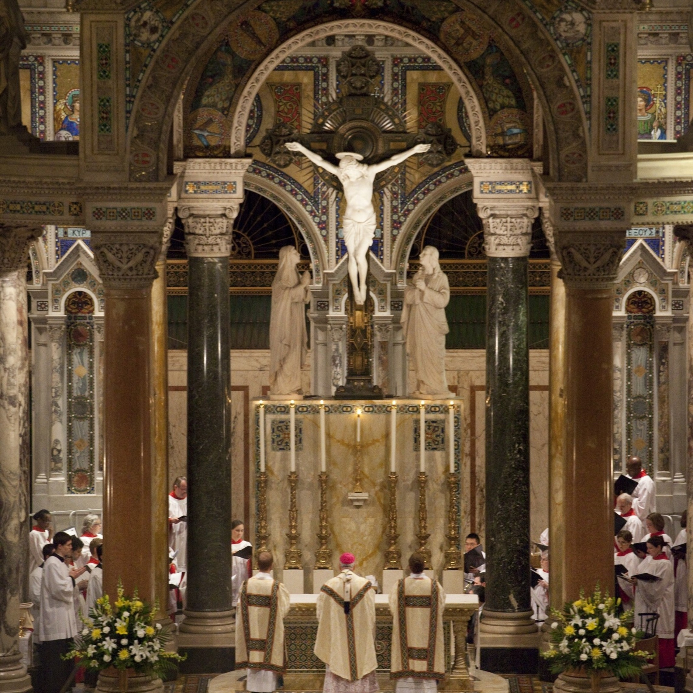 Main Altar   Easter   Mass